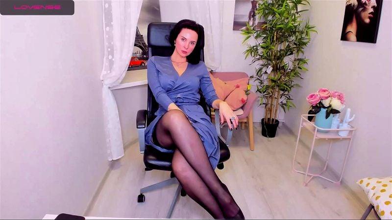 Pretty brunette MILF ViolaViolin teases on livechat 3/3