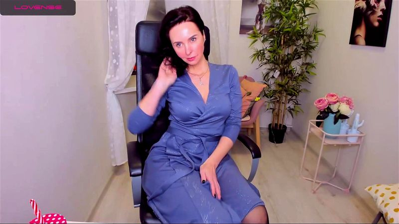 Pretty brunette MILF ViolaViolin teases on livechat 2/3
