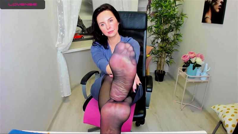 Pretty brunette MILF ViolaViolin teases on livechat 1/3