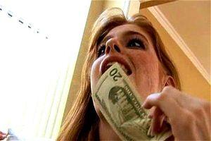 Faye Reagan voor geld