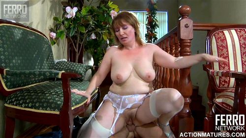 Chubby Mature Hairy Pussy