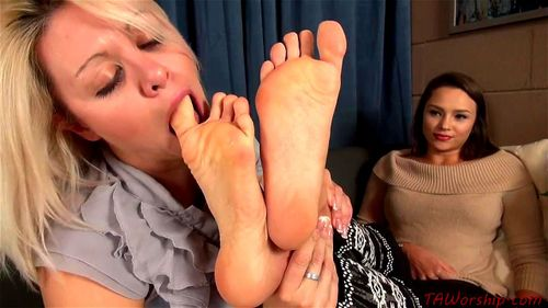 Lesbian Dirty Feet Cleaning