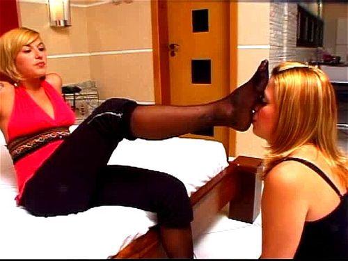 Lesbian Sweaty Foot Worship