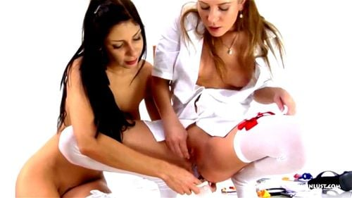 nude lesbische krankenschwestern