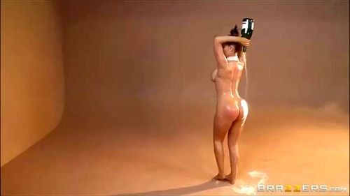 kim kardashian nikki benz break the internet