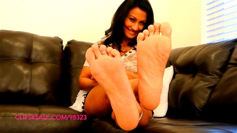 Jasmine Shy Feet