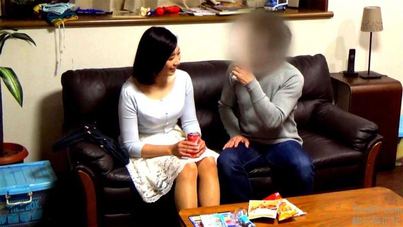 ナンパした美人妻を盗撮カメラを仕掛けた部屋に連れ込んでSEXを隠し撮り