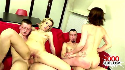 Hot amateur foursome and facial