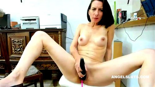 Amateur Milf Sucks Cock