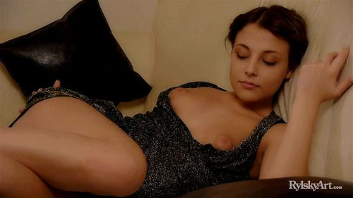 most sexiestnude women alive