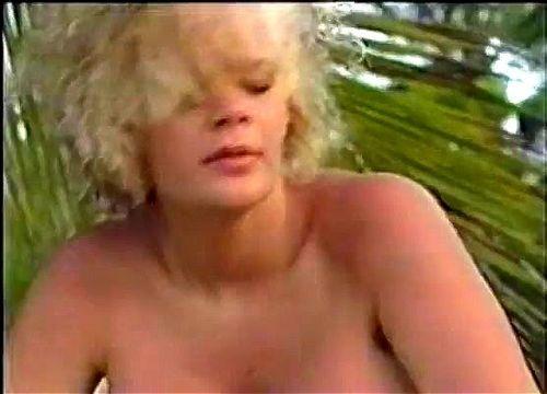 ggw extrém orgia szexi lesbains csókolózás