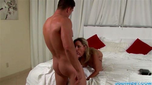 milf jodi west und tara holiday