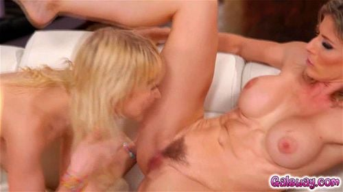 Chloe make her stepmom pays with her MILF pussy