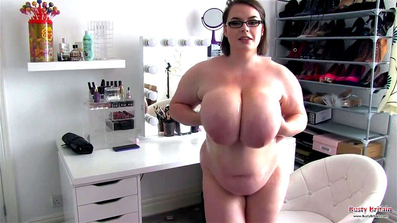 Huge Natural Tits Bouncing Pov