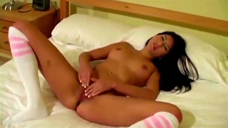 Solo Girl Feet Masturbation