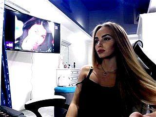 Ukrainian beauty BlondIceQueen free webcam show