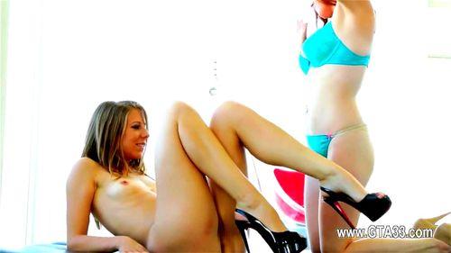 lesbios und dildos