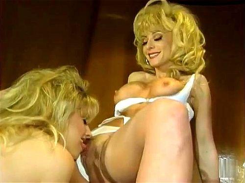 lijepa žena šmrcanje