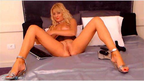 Delightful Lisa Elegant nude show