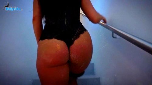 Thick Latina Naked Twerk