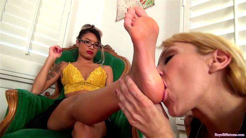 Erotic Lesbian Foot Worship