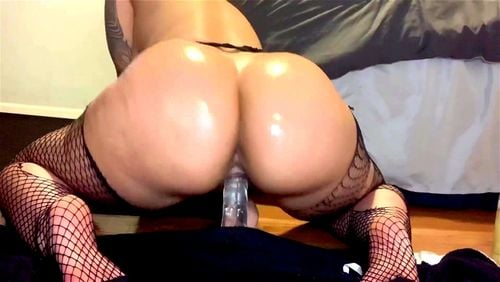 Camgirl Riding Dildo Squirt