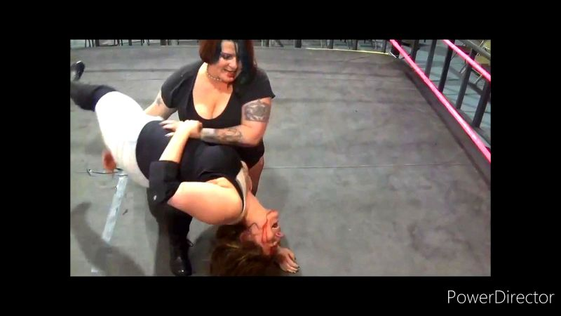 Strong Girl Mixed Wrestling