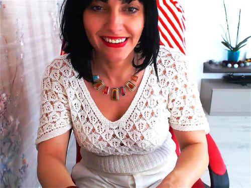 Hot mature brunette Sandrasheart webcam chat
