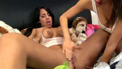 Freaky squirting lesbian