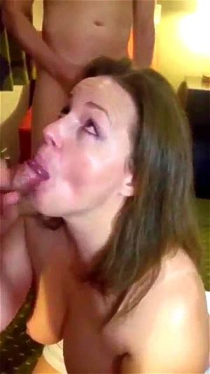 Amateur Wife Gloryhole Swallow