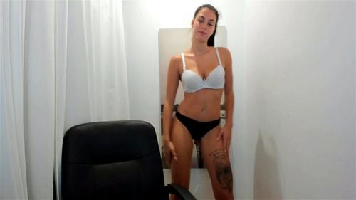 Young brunette Mia Khalid teases on webcam 2/2