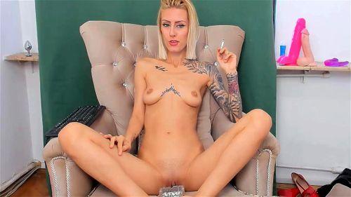 Tattooed blonde mom StaceyBela webcam chat