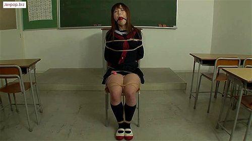 百合川さら 広瀬りほ 緊縛拘束されたメガネの巨乳女教師!調教ファックでザーメン顔射