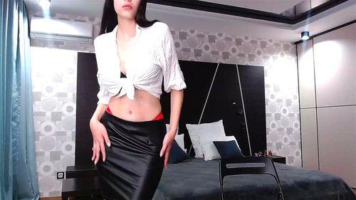 Busty brunette Veloxen webcam chat 1/2