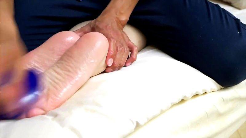 Victoria Puppy Feet Tickle
