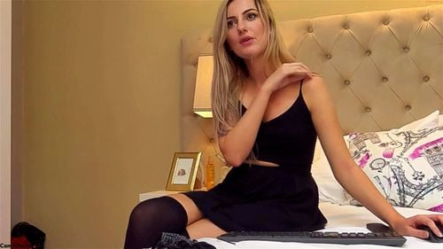 Sexy blonde SweetyArya strips off her clothes on webcam