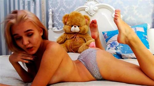 Young blonde cutie Keelto plays on webcam 3/4