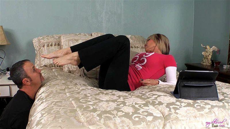 Lesbian Stinky Feet Worship