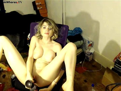 Young chick PrincessBlonde130 plays on webcam