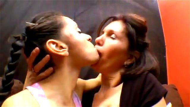 Bobbi Starr Lesbian Kiss