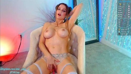 Busty camgirl Lola Jane teases on livechat